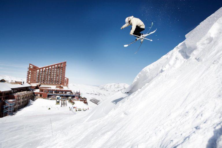 Unas Vacaciones Diferentes en Chile: La Experiencia de Esquiar en Nieve