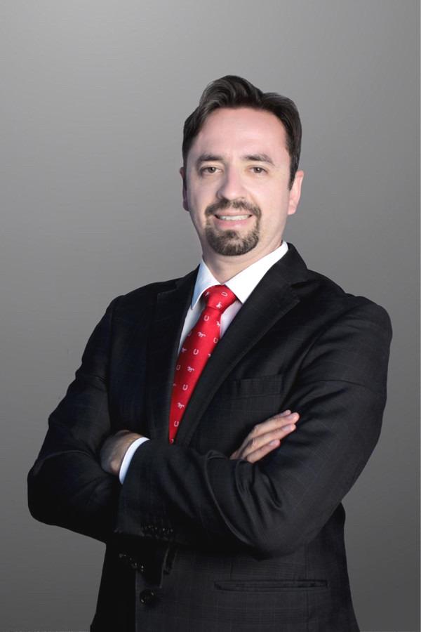 Adriano Silva